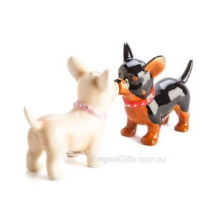 2pc Puppy Dogs Kissing Salt and Pepper Shakers Collectable