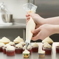 disposable piping bags cake decorating - cupcakes